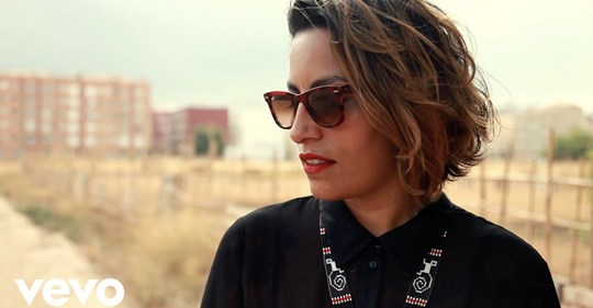 Los Chikos del Maíz ft. Ana Tijoux: «El Extraño Viaje»